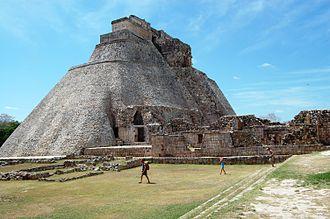 Pirámide del Adivino – México